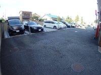 駐車場:敷地内駐車場も空きございます(月額12960円)