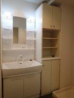 洗面室:シャワー付独立洗面台(新品)