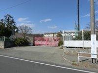 周辺環境:市立上壱分方小学校すぐ裏