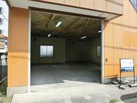 その他:1階倉庫入口、電動シャッター付き W3.24 H3.25