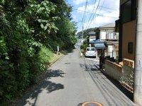 その他現地写真:東側公道(幅員3.2m~5.3m)
