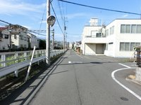 その他現地写真:西側前面道路(幅員)、幅員約6m