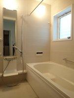 浴室:バスルーム(浴室換気暖房乾燥暖機付き)