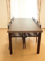 その他:ダイニングテーブル(残置物の為、修理等は借主負担)